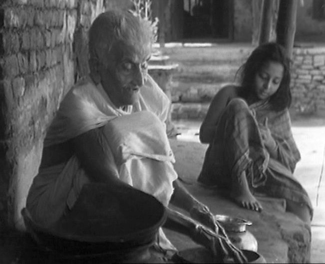 Pather_Panchali_old_women