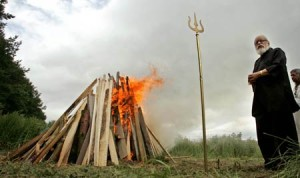 britains-first-open-air-cremation-held-in-secret