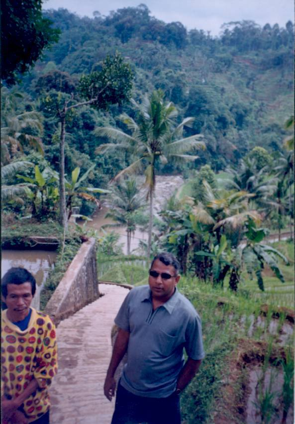 Kempung Naga பகுதியில் பயணத்தின் போது..